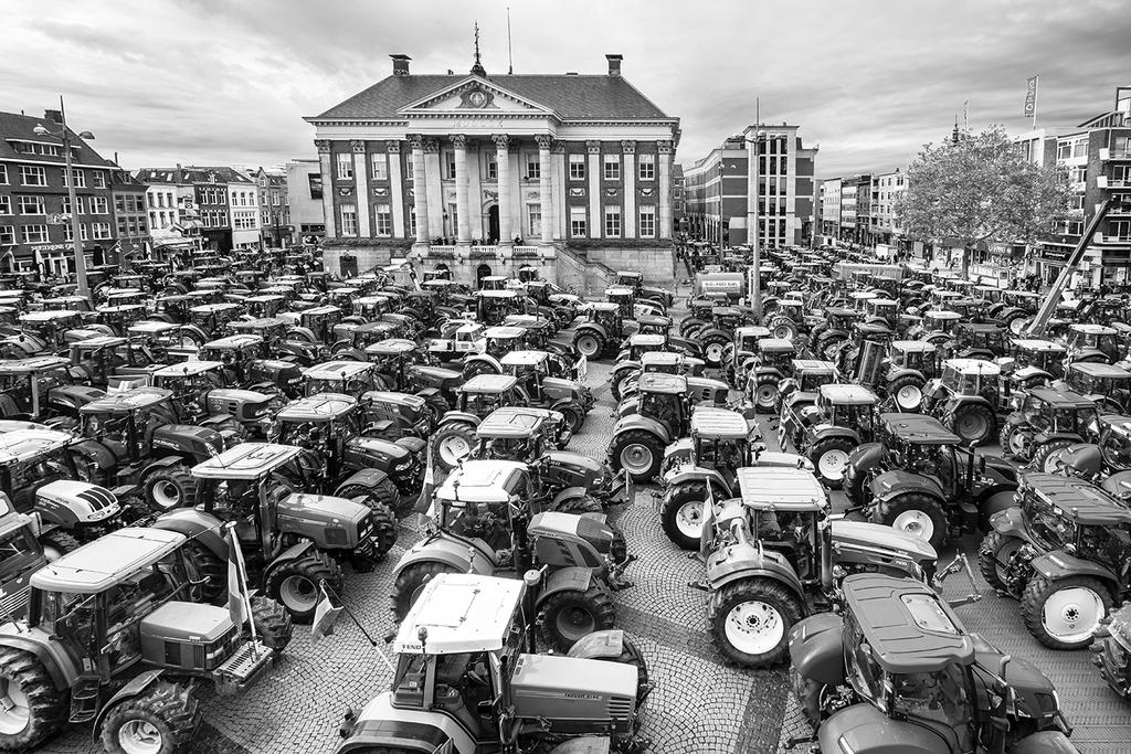 Trekkers op de Grote Markt in Groningen tijdens het boerenprotest op 14 Oktober 2019