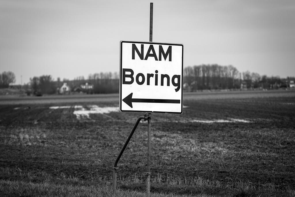 Aanwijsbord Nam boring, in de omgeving van Zoutkamp, provincie Groningen